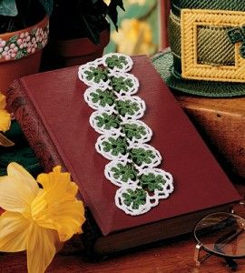 Crochet this cute & simple bookmark for your favorite leprechaun.