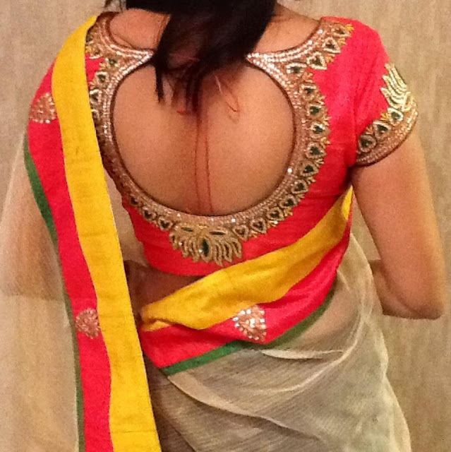 Now that is a cute back for a choli. Simple yet so pretty.