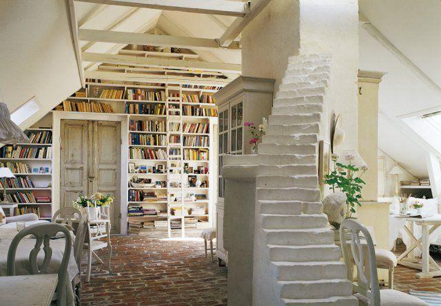Martine Colliander White Home