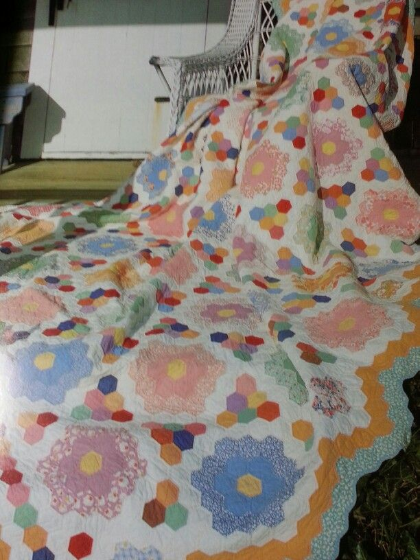 161 best images about flower garden quilts on pinterest - Grandmother s flower garden quilt ...