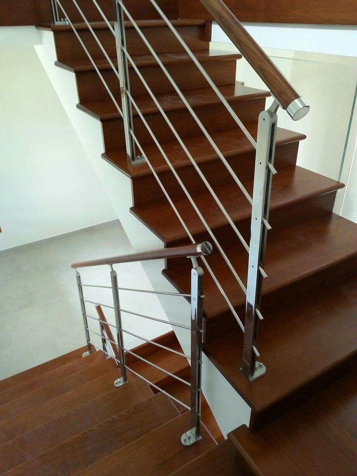 Ringhiera scala interna - acciaio inox e legno scuro www.rinox.it Idee scale interne