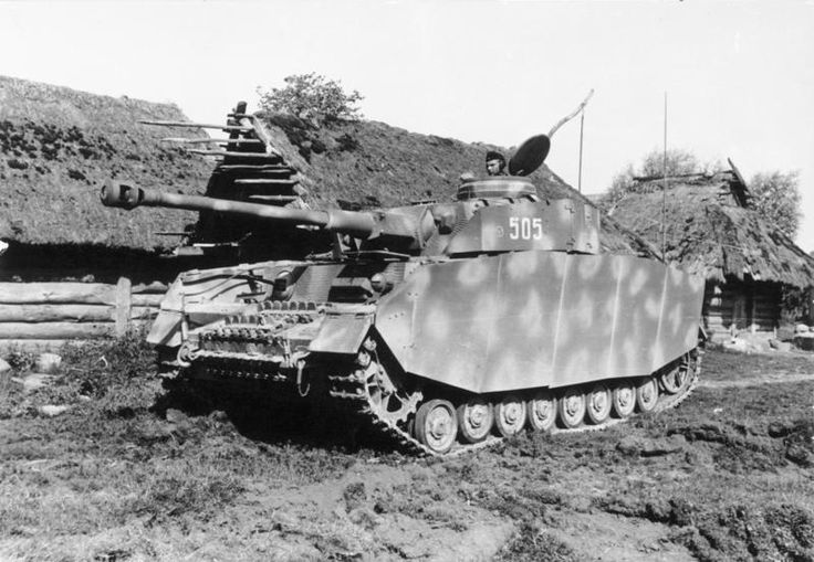 Pz.Kpfw. IV Ausf. H of the 12th Panzer Division operating on the Eastern Front in the USSR, 1944.