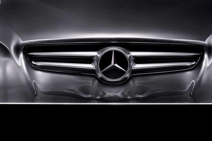 Detroit 2010: The Mercedes-Benz Rising Car Sculpture Teases The CLS-Class