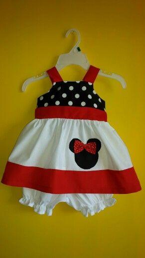 Lindo vestido de minnie para niña!