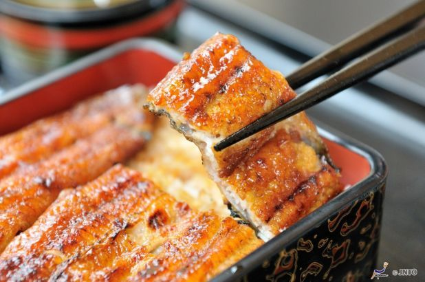 Grilled eel from Shizuoka are a delicious energy boost on a hot summer day!