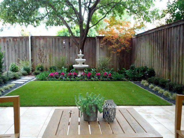 pelouse synthétique dans l'aménagement du jardin japonais