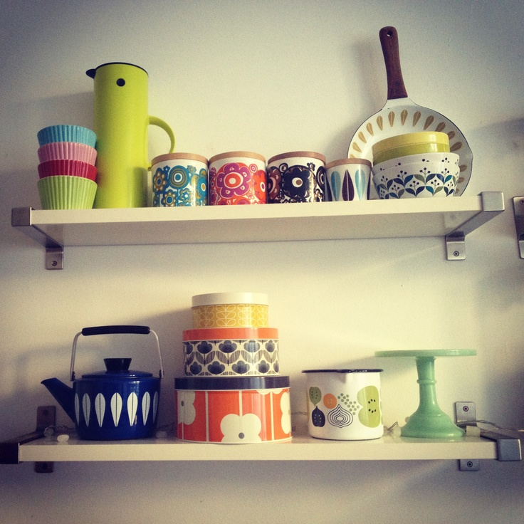 I like to mix colours and patterns and have a thing for storage jars and tins! I love to play around with my collections in the kitchen. Particular favourites are Orla Kiely, Cathrine Holm and Staffordshire Pottery (50s/60s/70s).