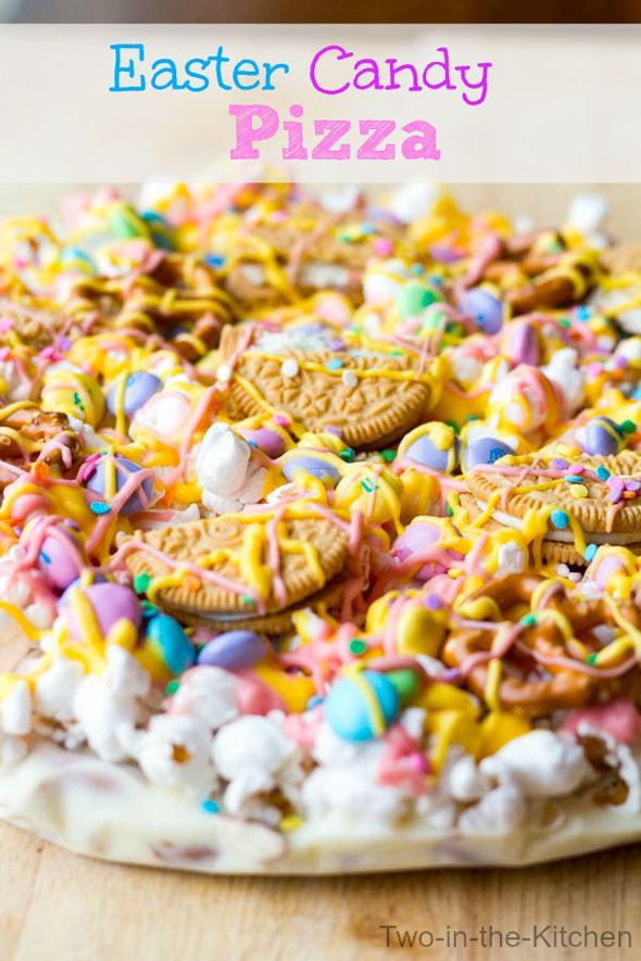 Easter Candy Pizza Recipe on www.prettymyparty.com.