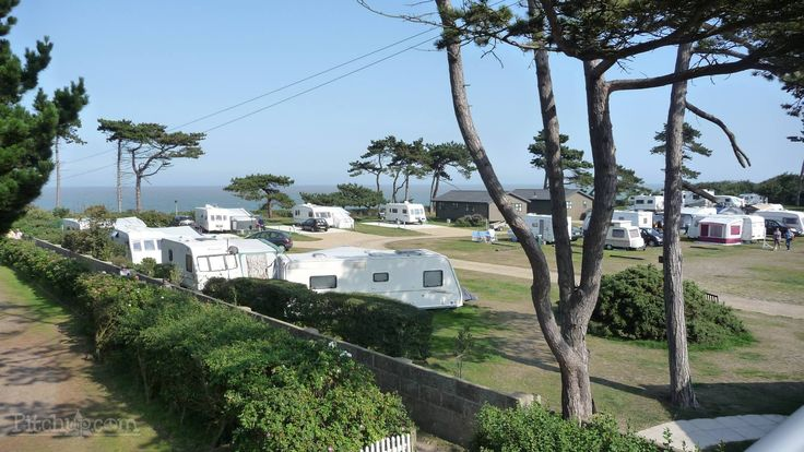 Camping Caravan Holidays, Self Catering Holiday Accommodation and Rentals on the Suffolk Coast at Beach View near Aldeburgh and Minsmere.