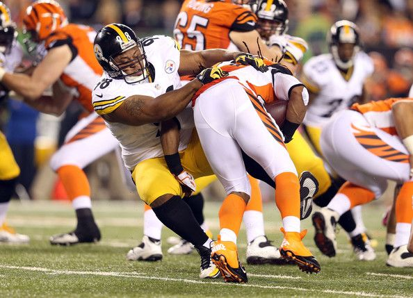 Benjarvus Green-ellis BenJarvus Green-Ellis #42 of the Cincinnati Bengals is tackled by Casey Hampton #98 of the Pittsburgh Steelers during ...