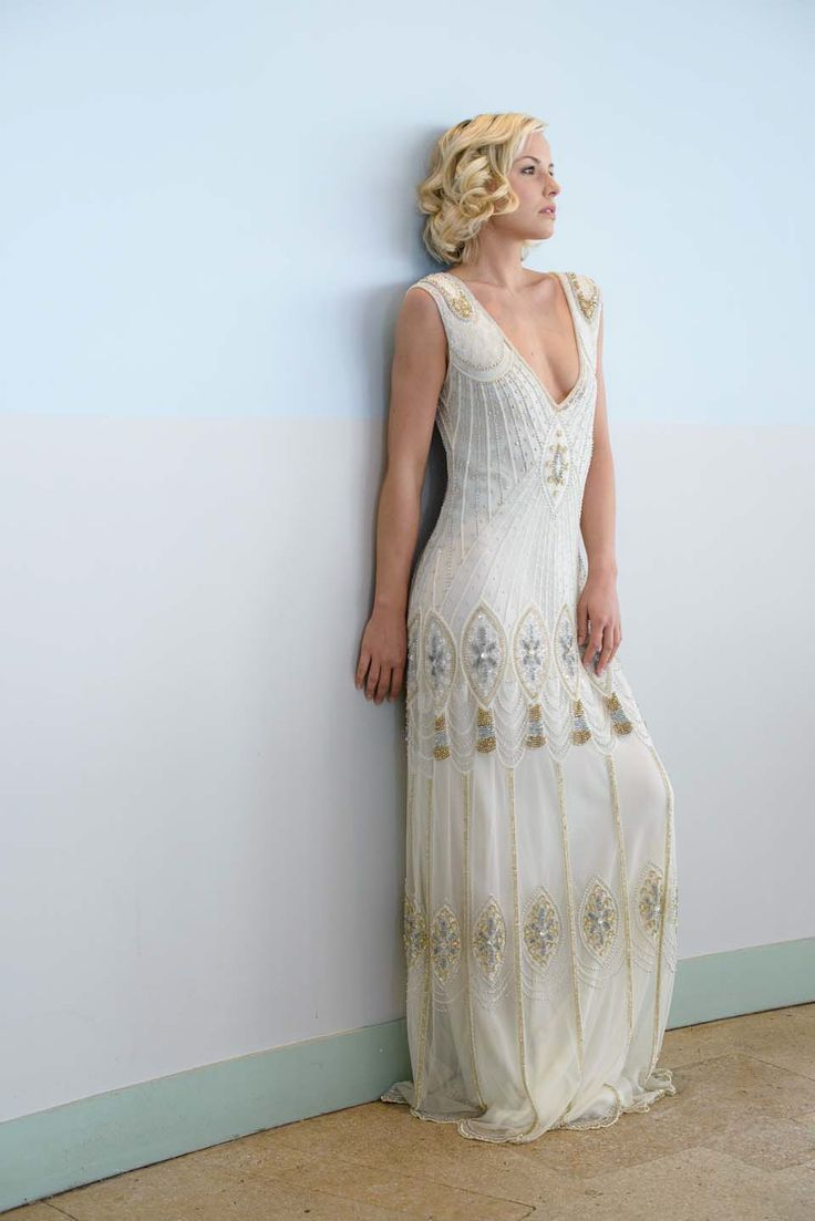 Roaring, Rogue and Retro 1920's Wedding Gowns. #weddings #gowns #1920s