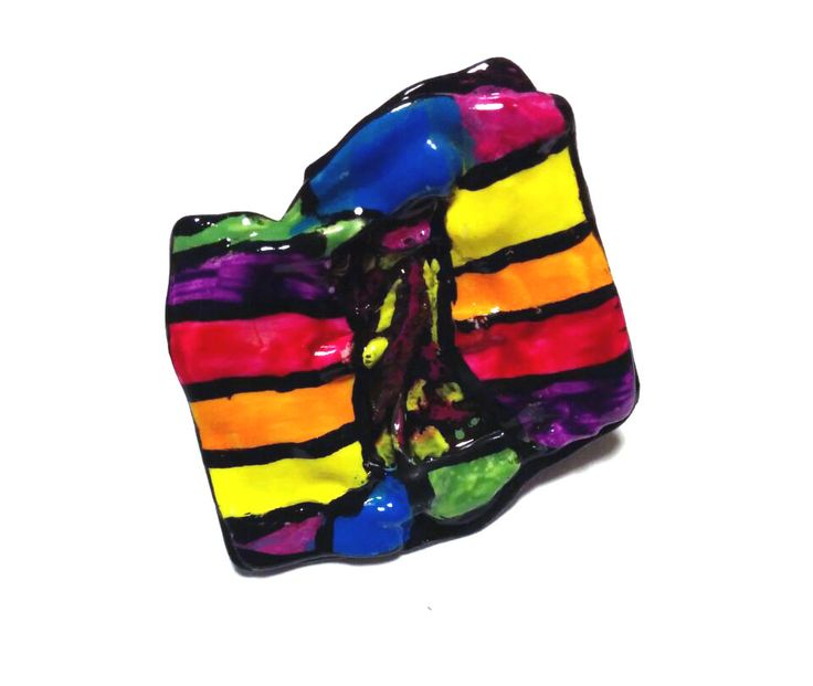 anello realizzato con diapositiva fatto  e dipinto a mano  recycled slides ring hand made   con acrilici #fashion #style #recycled #riciclo #diapositive #creative #photo #green #recycling #ecologic #hand #made #handmade #slides #ring