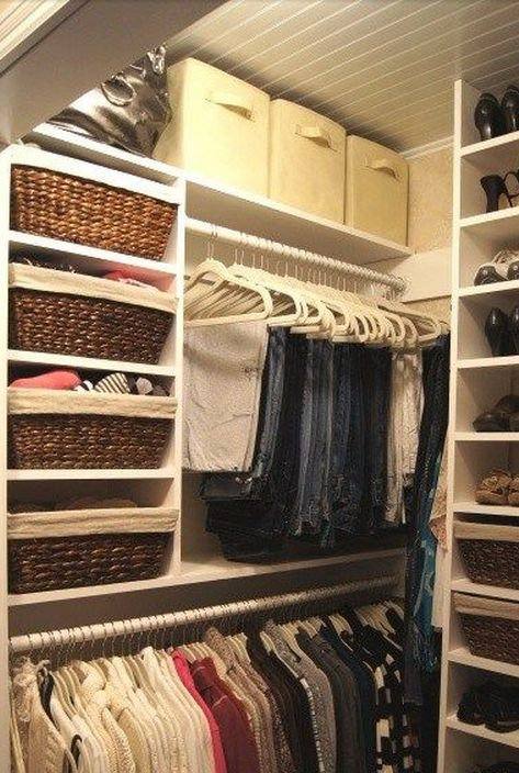 Need to make my small closet look like this!  Great use of small closet space