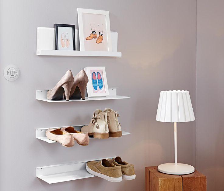2 Schuh-Wandregale; 14,95€