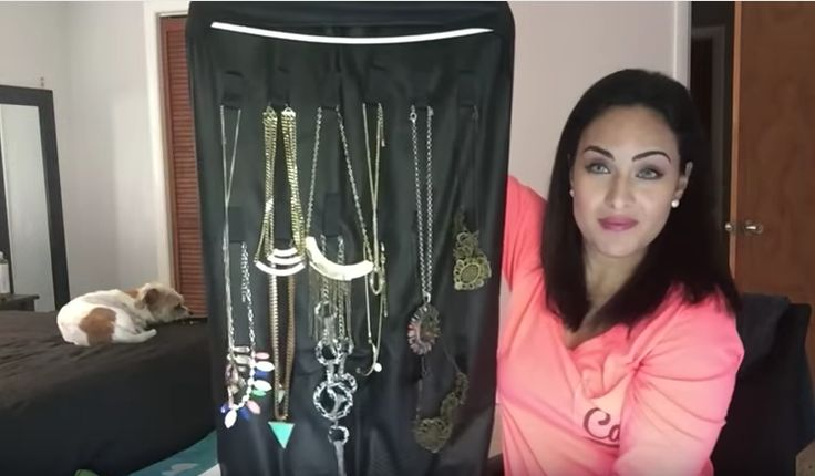 Organization: The Jewelry Hack No One Is Using!: http://www.foreverfearlessmag.com/jewelry-organization-hack/