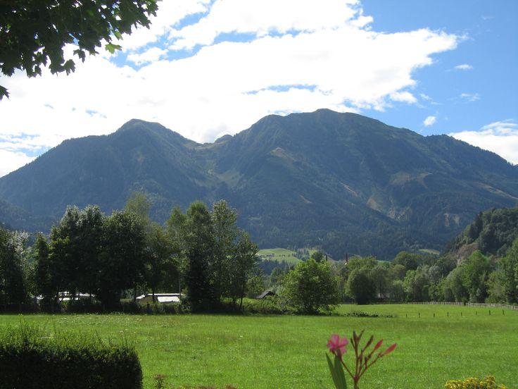 Todo dia eu vejo essas montanhas, muito bonita :-).