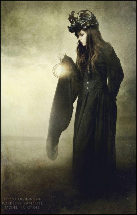 gothiccharmschool:    Now the light starts to come back.  kambriel:      …Solstice…  Photo:DividingMe-Headdress & Gown:Kambriel-Model: Nancy Dee