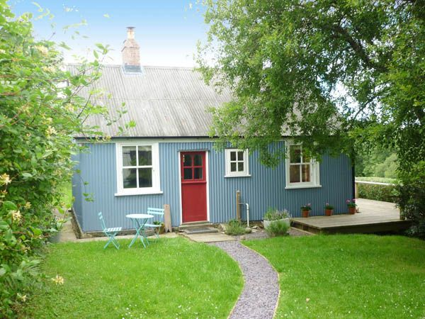 The Shack - traditional Welsh corrugated tin house in Clarbeston Road, Pembrokeshire, sleeps 4, good for walking holidays - West Wales Holiday Cottages
