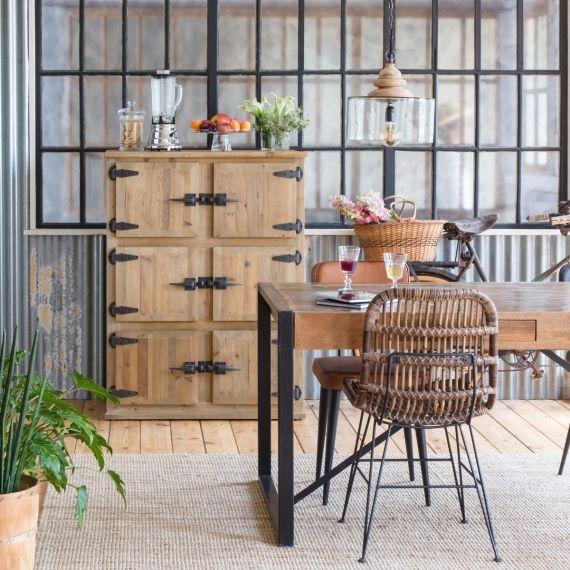 Chaise En Rotin Brun Pieds En Metal Buffet Industriel Table Bar Meuble En Pin Massif