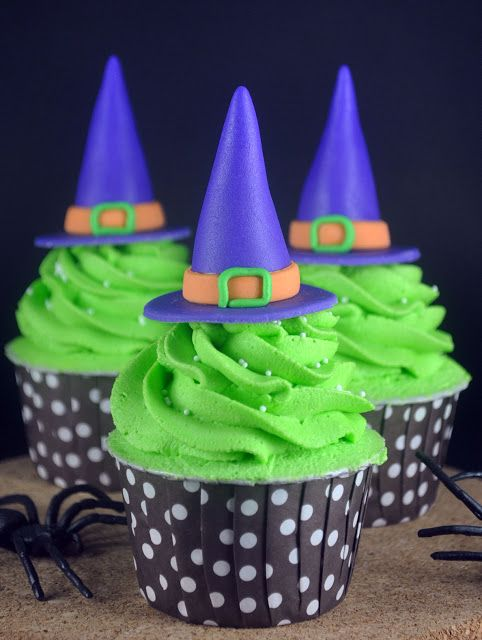 Witch Hat Cupcakes for Halloween (click for instructions and recipe)