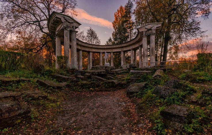 Колоннада Аполлона в Павловском парке. Павловск, Санкт‑Петербург.