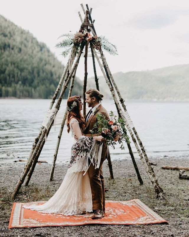 "A few years back, Jess + Weston were on a camping trip and stumbled upon Lake Crescent in the PNW. They pulled over and he told her, ""When we get engaged, we should remember this place.""✨ WELL, flash forward to present day and these two just got hitched there!! See their camping-inspired wedding #onGWS {link in bio!}  photog: @philchester 
