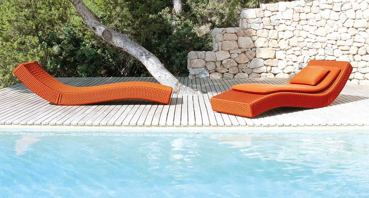 Wave - Chaise longue with backrest adjustable in two positions.