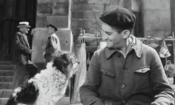 Horgasz a pacban  fekete-fehér, magyarul beszélő, francia vígjáték, 86 perc, 1958  --  A film története a jóravaló, furfangos orvvadász és a kisvároska helyi hatalmasságai közt dúló harcról szól. A fergeteges események humora hagyományos helyzet- és jellemkomikumra épül, amit elsősorban Louis De Funes alakítása tesz ellenállhatatlanná. Utolérhetetlen, ahogy jellemábrázoló gesztusaival és fintoraival, burleszkbe illő mozgásával, nyűtt gúnyájában és ormótlan bakancsában csetlik-botlik. És…