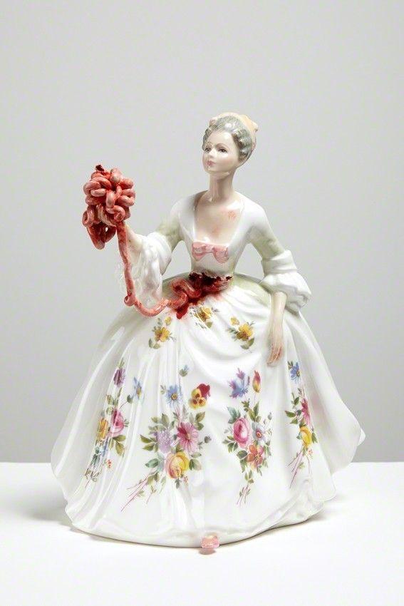 Керамические скульптуры Jessica Harrison  Art Шотландская художница Джессика Гаррисон (Jessica Harrison) создает оригинальные и жутковатые скульптуры из керамики. Джессика родилась в 1982 году. Окончила два высших учебных заведения.