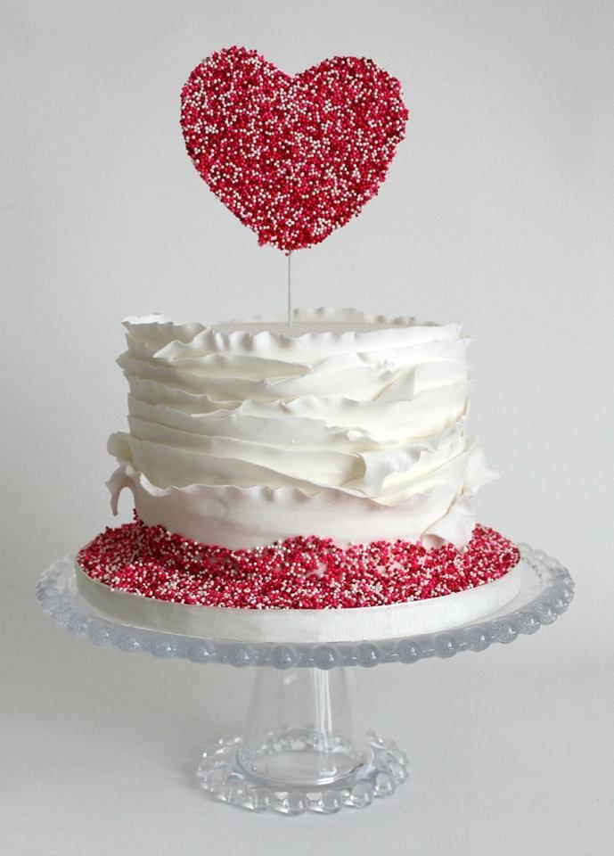 Featured cake: La Fabrik À Gâteaux; To see more stunning wedding cake inspiration: http://www.modwedding.com/2014/11/05/get-inspired-amazing-wedding-cake-inspiration/ #wedding #wedding_cake #weddings