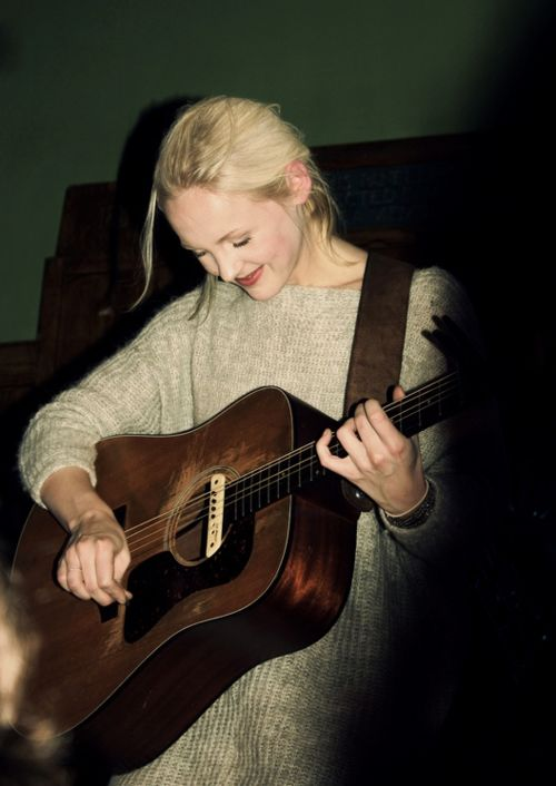 Laura Marling with her guitar