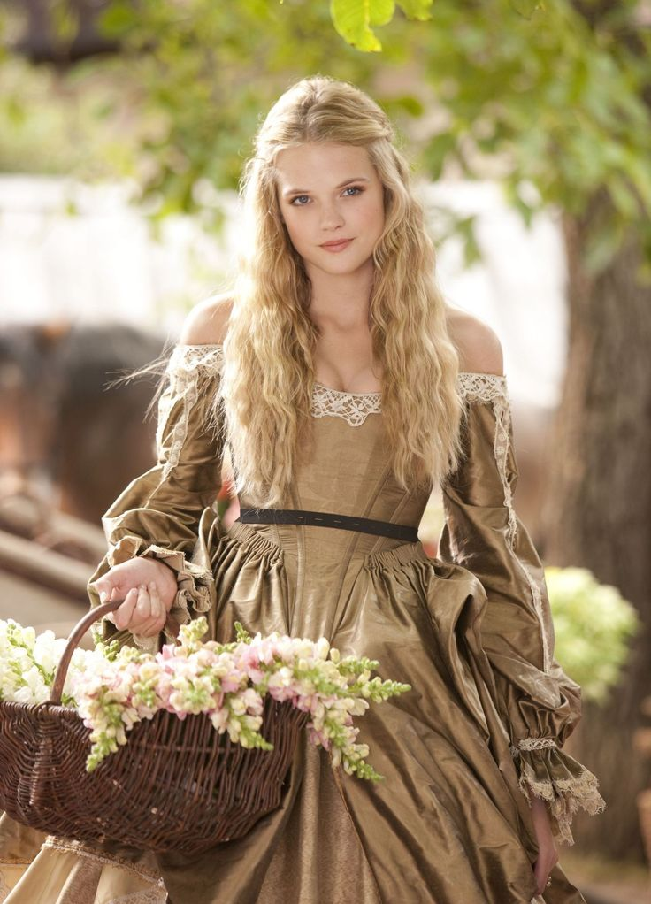 three musketeers | ... as Constance in Summit Entertainment's The Three Musketeers (2011