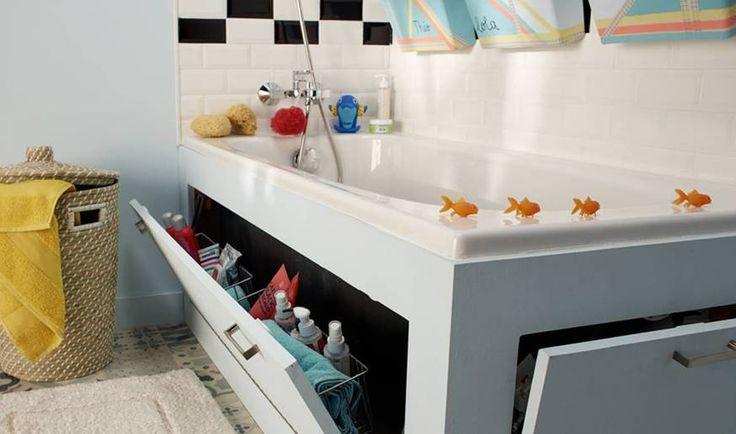 TUTORIEL - Gagner de la surface de rangement sans sacrifier de l'espace dans votre salle de bains grâce à ce tablier de baignoire avec rangements intégrés.
