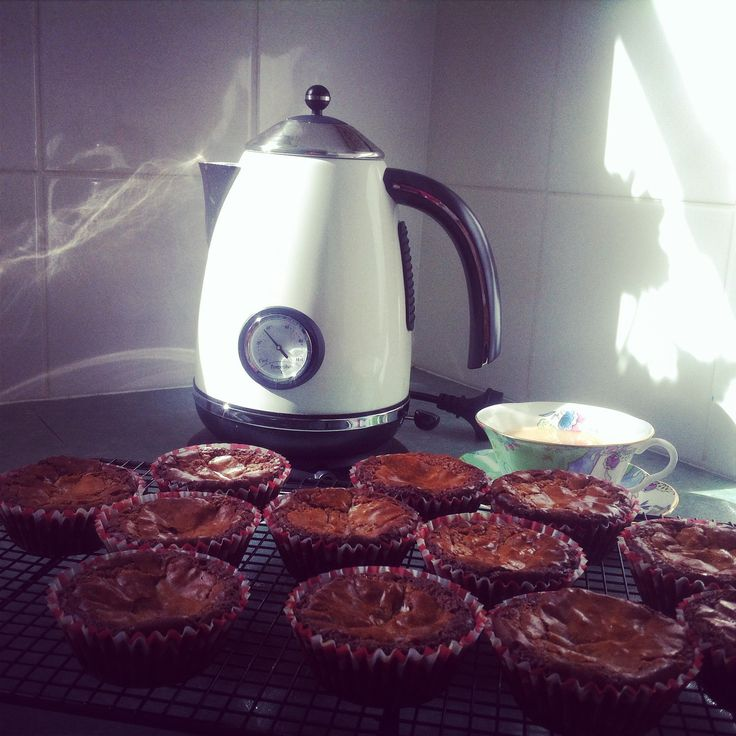 #whatsbardybeenbaking chocolate fudge cupcakes - white & milk