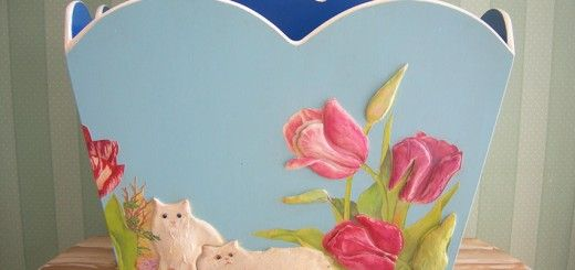 Cats-Newspaper Stands BY COMLEKCIKIZ · 7 MAYIS 2014  Yeni model gazeteliğin üzerini kediler ve lalelerle süslendi,kabartı desen çalışıldı…Güle güle kullanın Ümide Hanım…