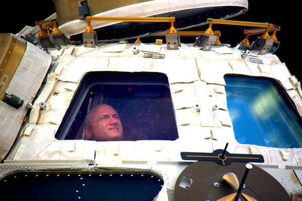 Commander Scott Kelly has just returned from his 340-day mission aboard the ISS. The recordbreaking mission has seen Kelly and Russian cosmonaut Mikhail Kornienko spendalmost a year in space, and scientists hope to gain an insight intowhat long stays in microgravity doto the body, with views on missions to Mars in the future.