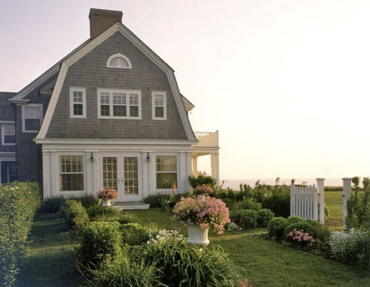 25 best ideas about gambrel roof on pinterest dream for Gambrel homes