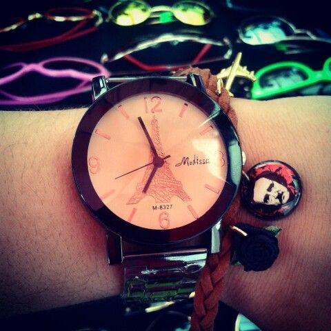 Nuevo reloj metálico de pulso #paris $28.000