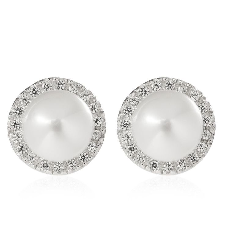 Diamonique, orecchini tondi a lobo in argento 925 placcato platino. L'affascinante design presenta una perla coltivata d'acqua dolce impreziosita da diamonique tondi. Diamonique abbraccia le perle.