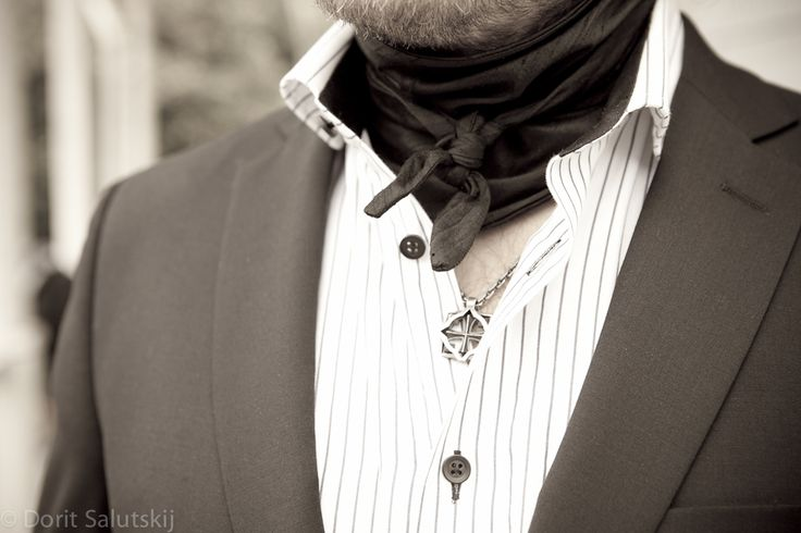 'Remu' silk scarf for groom | gTIE Neckwear & Accessories | for those who love dresses, photo: Dorit Salutskij
