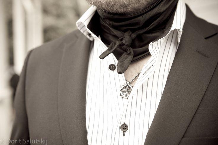 'Remu' silk scarf for groom | gTIE Neckwear & Accessories | for those who love dresses, photo: Dorit Salutskij