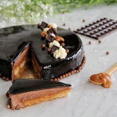 Parmi les recettes du livre Les Petits Gâteaux de Christophe Felder que je voulais toujours réaliser, celle de l'entremets fleur de sel...