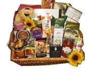 I have been wondering what to get my neighbors for a holiday gift, and this looks like it could be great. I like that it has all different kinds of food and treats. That way, you are sure to satisfy every member of the family you are giving it to.