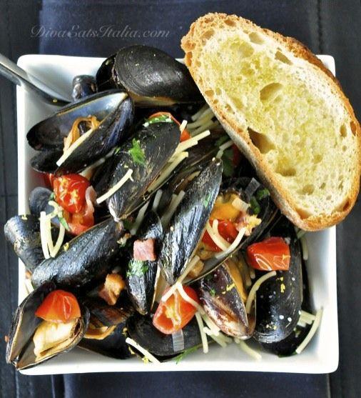 Cozze al Vino Bianco (Steamed Mussels in White Wine)