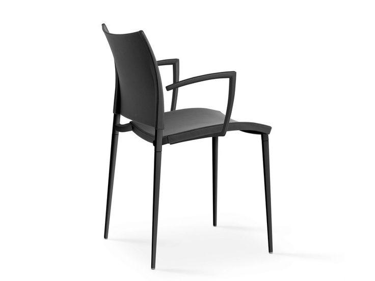 Stapelbarer Stuhl Aus Polypropylen Mit Armlehnen Stuhle Stuhle Stapelbar Armlehnen