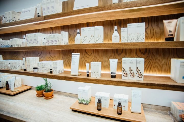 Jurlique — the #1 natural skincare brand in Australia — recently unveiled its new store design in Sydney.