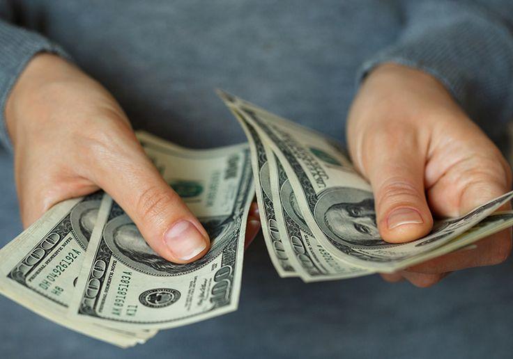 Cotação do dólar - Aprenda como economizar na hora de comprar o dólar para sua viagem! Cote, pesquise e avalie o mercado com a ferramenta Dólar-Hoje!