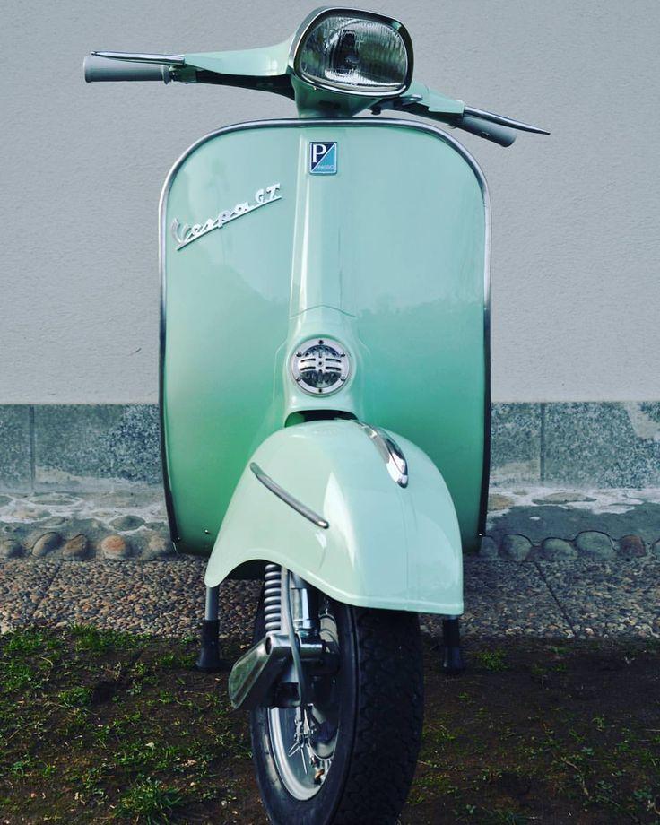 """103 curtidas, 1 comentários - Vespafollow Born in 19-08-17 (@vespafollow) no Instagram: """"Gran turismo #vespa #original #italy #old #vintage #piaggio #vespaitaly #super #piaggio…"""""""