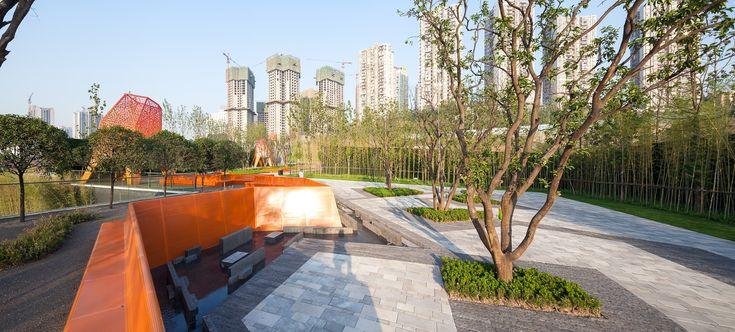 Galeria de Arquitetura e Paisagem: Pavilhões de metal perfurado se elevam no parque, por Martha Schwartz - 14