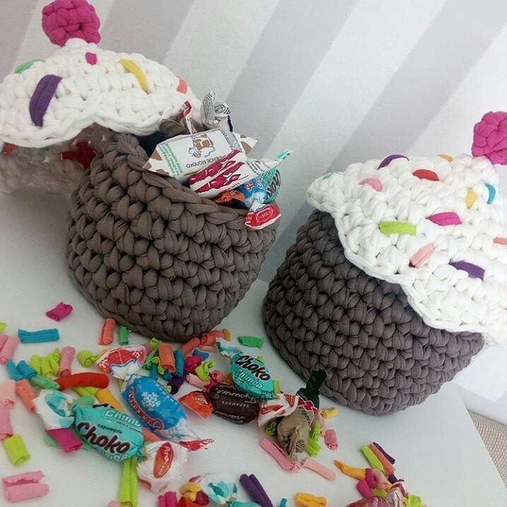 Доброе утро!!! А вы позавтракали??? Разные вкусности для вдохновения от @penye_dunyam_hobby_world 👏👏👏 🍦🍦🍦🍰🍰🍰☕☕☕ фоток много, можно полистать👉 . Вся палитра 👉 @ala_palitra . . #трикотажнаяпряжа#вязаниеназаказ#вязание#вяжутнетолькобабушки#вяжуназаказ#knit#knitting#knittinglove#hadmade#handknit#вязаныесумки#сумкиизтрикотажнойпряжи#трикотажнаяпряжавеликийновгород#трикотажнаяпряжаcitrus#трикотажнаяпряжаспб#трикотажнаяпряжамосква#рюкзакизтрикотажнойпряжи#хранениемелочей…